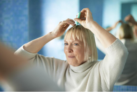 Tips for Women Experiencing Perimenopause Hair Loss